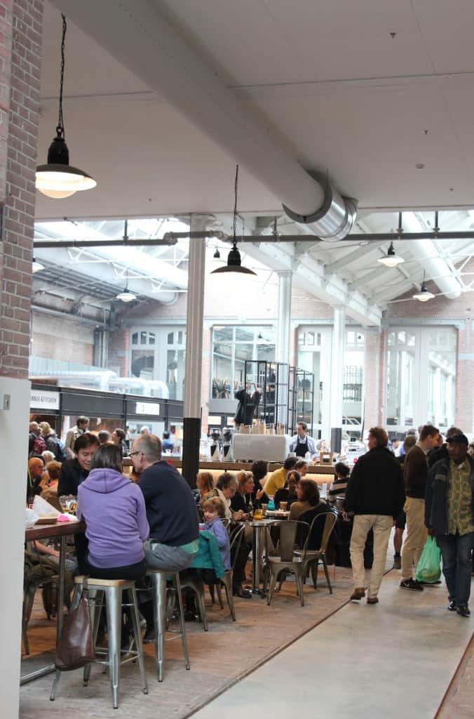 De Foodhallen Amsterdam bezoekers