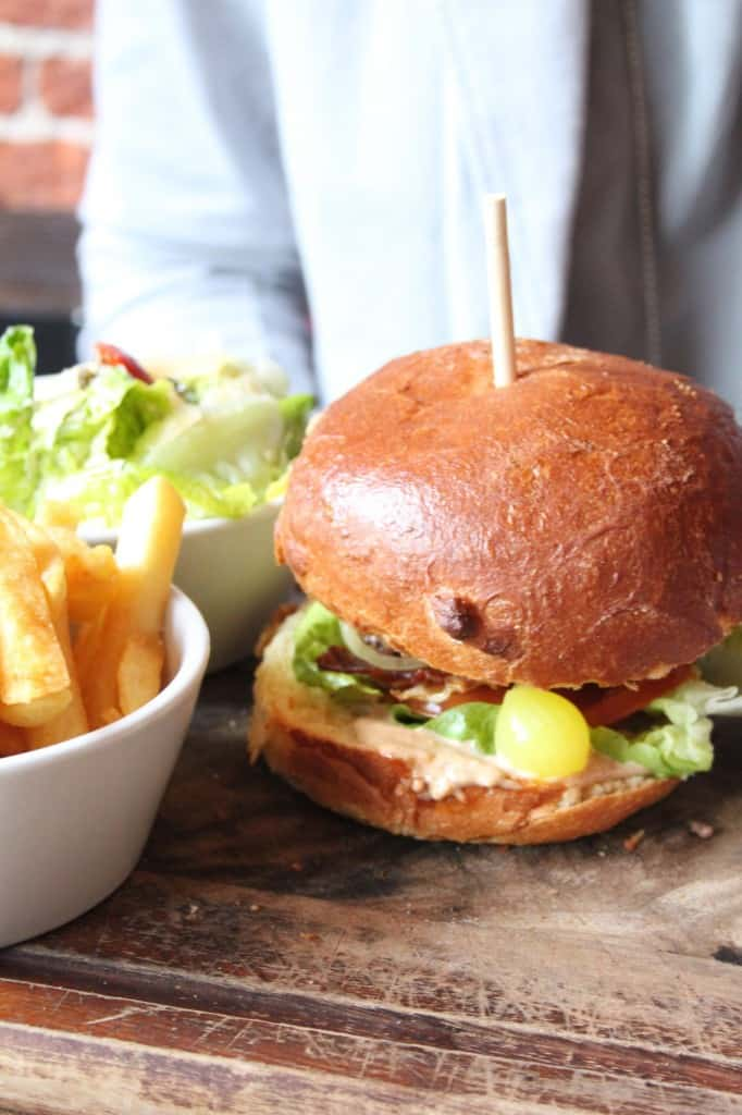 Herengracht hamburger pin