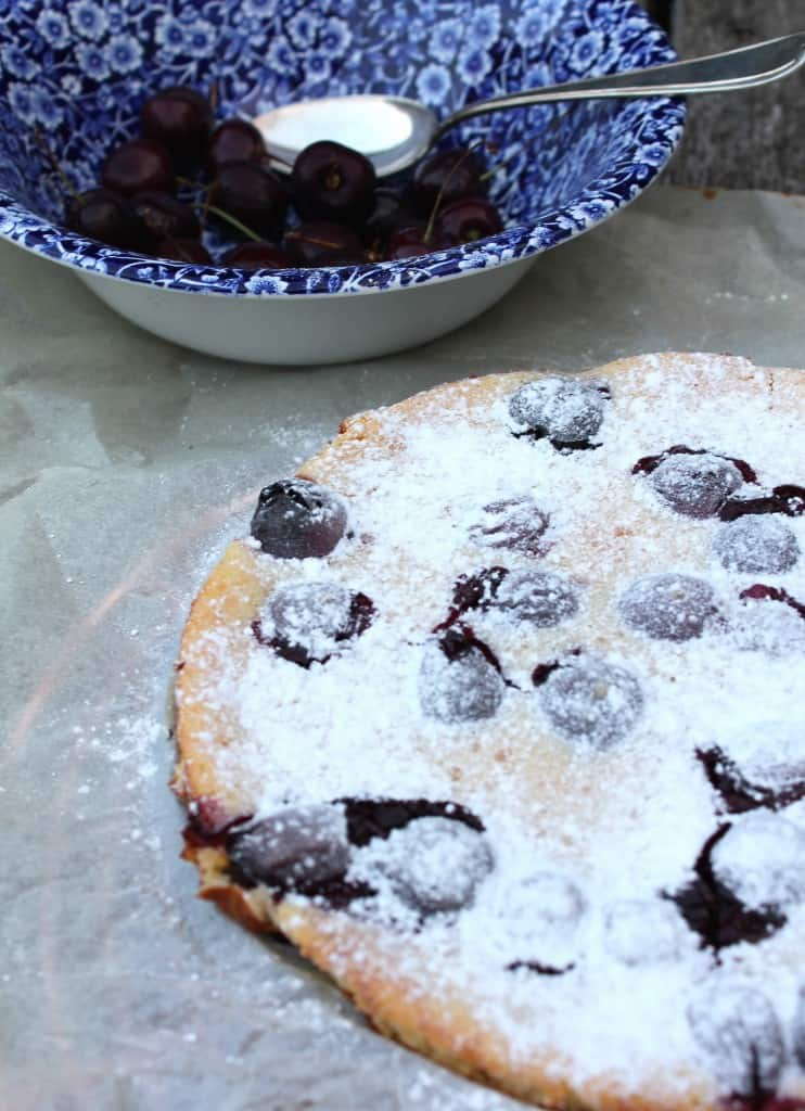 KERSENCLAFOUTIS MET YOGHURT | ENJOY! The Good Life