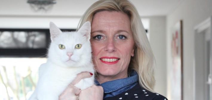 MOODY WHITE CAT