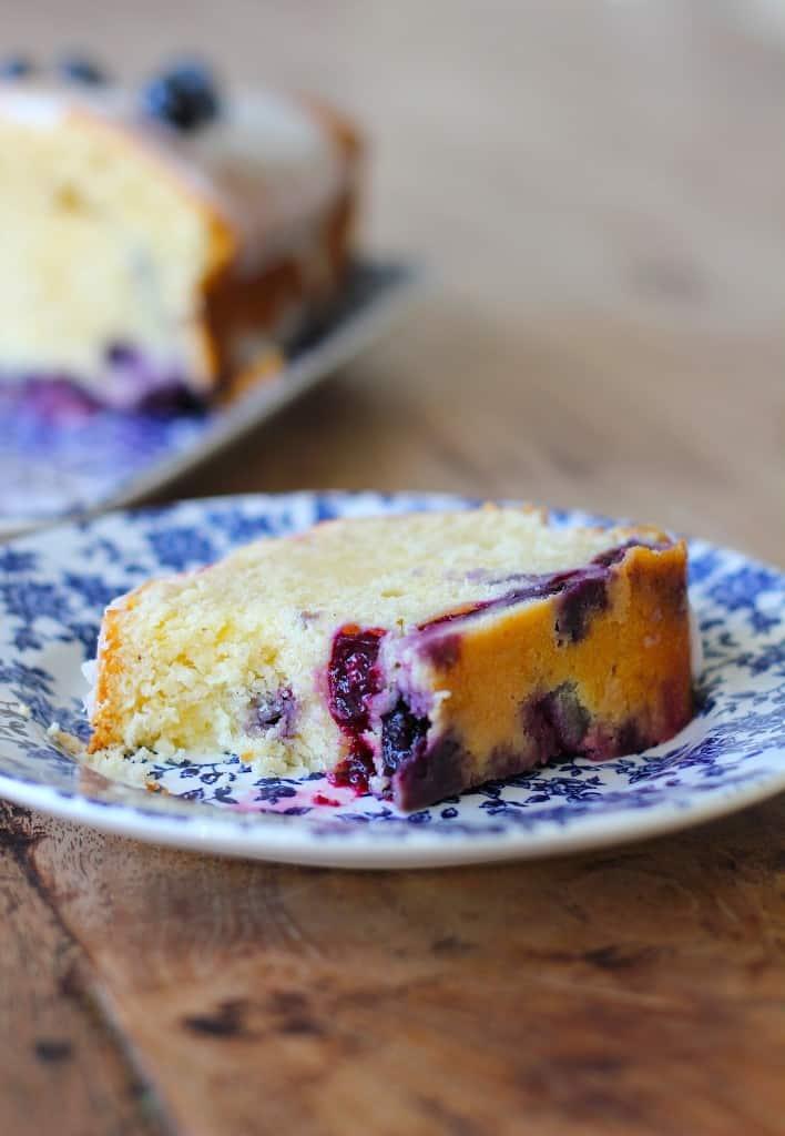 Cake met blauwe bessen en citroen | ENJOY! The Good Life