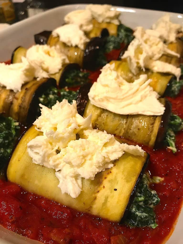 Aubergine rolletjes met spinazie en mozzarella | ENJOY! The Good Life