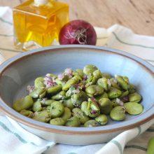 Uit de moestuin: Tuinbonen salade met komijndressing