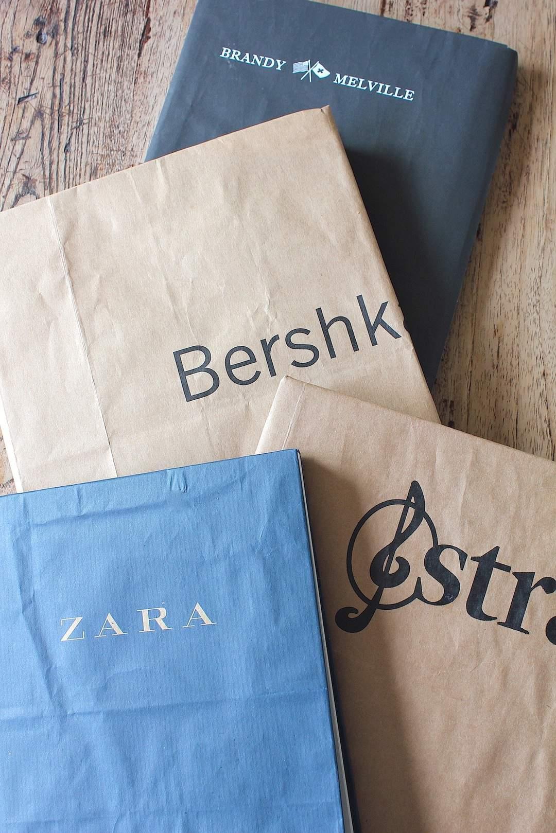 Boeken kaften met gerecyclede papieren tasjes | ENJOY! The Good Life