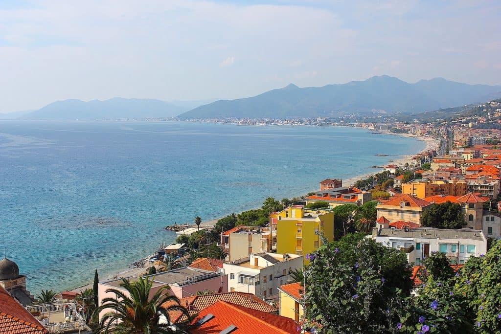 BORGIO VEREZZI, een pittoresk dorpje aan de Riviera   ENJOY! The Good Life