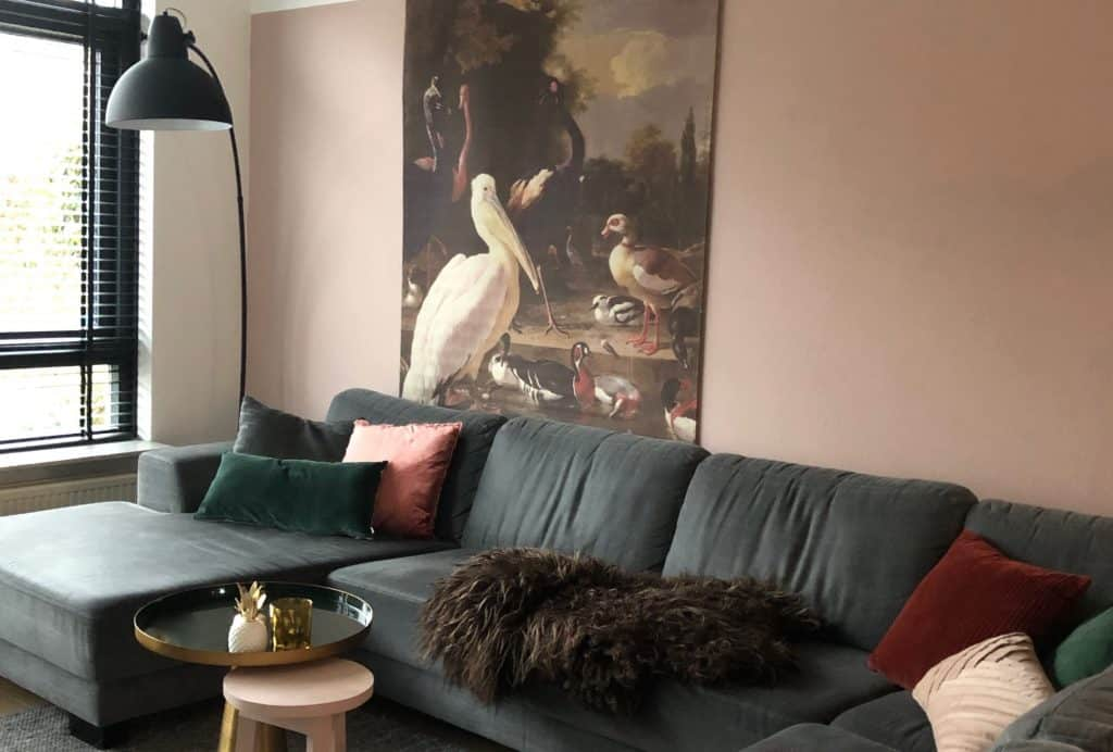 Thuis door corona? Maak je woonkamer warm en gezellig | ENJOY! The Good Life