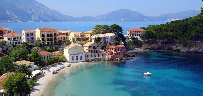 Met deze films en serie waan je je op een Grieks eiland
