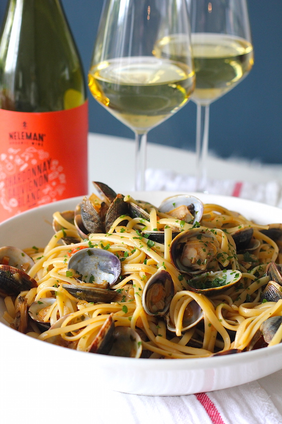 Linguine alle vongole 'in rosso' | ENJOY! The Good Life